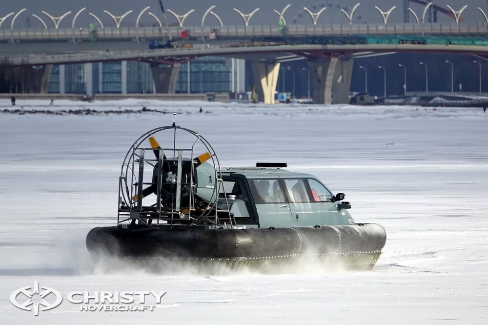 Амфибия-судно на воздушной подушке Christy 8205 FC прекрасно зарекомендовало себя в эксплуатации | фото №14