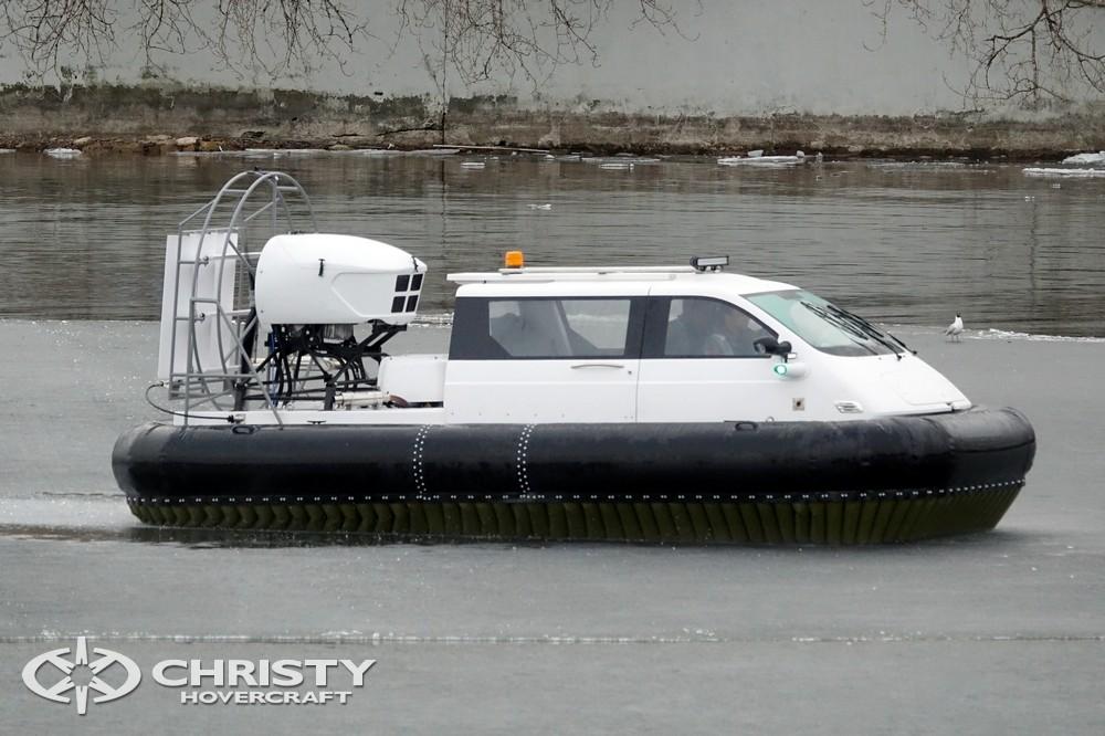 Тест-драйв показал, что судно на воздушной подушке Christy 5143 FC легко стартует при любой загрузке | фото №6