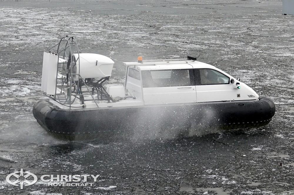 Катер на воздушной подушке Christy-5143 - это судно (СВП), которое позволяет осуществить доставку грузов и пассажиров в труднодоступные и непроходимые места, недоступные для другого вида транспорта | фото №19