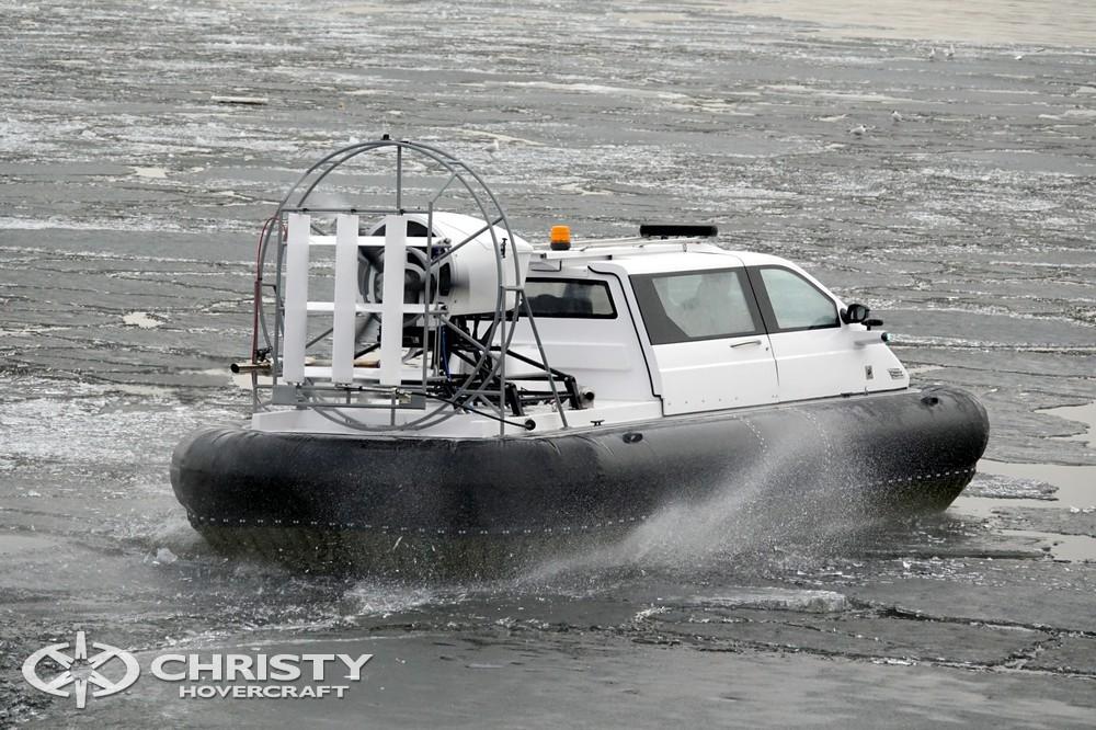 Амфибийный катер на воздушной подушке может преодолевать пологие береговые склоны, промоины и отмели | фото №20