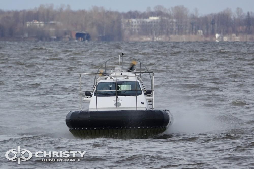 Christy-9205-fishing-edition стремительно летит над водой. Это значит, что вся рыба будет у вас в кармане. | фото №15