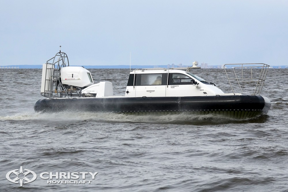 Лодка на воздушной подушке Christy-9205-fishing-edition с легкостью несется по волнам | фото №22