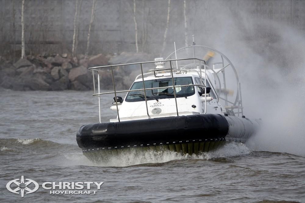 В представленном сюжете наглядно видна отличная управляемость судна Christy-9205-fishing-edition | фото №24