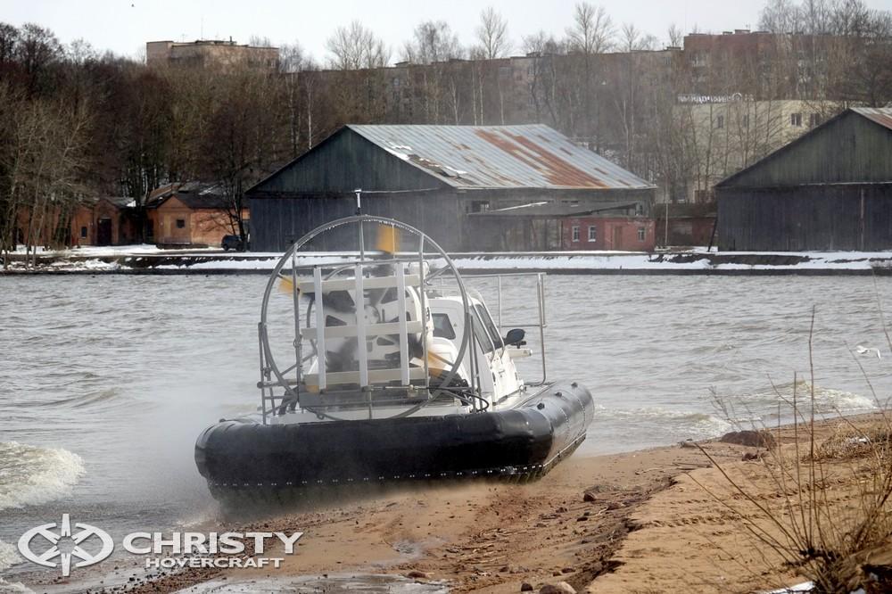 Представителем заказчика было отмечено, что судно на воздушной подушке Christy 9205 FC Fishing Edition обладает отличной мореходностью, высокой амфибийностью | фото №27