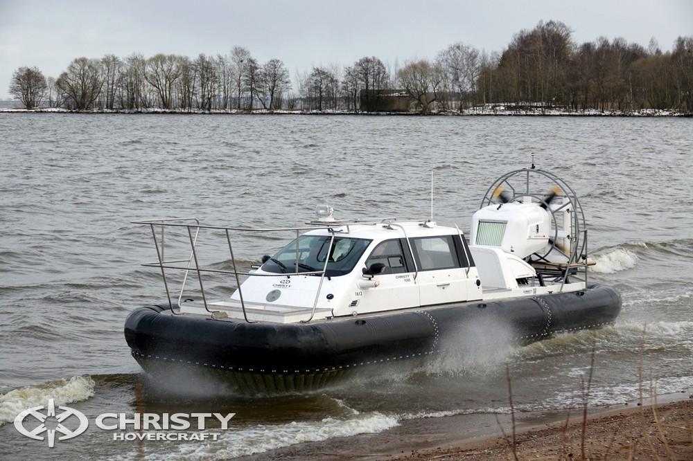Путешествуя на судне на воздушной подушке Christy-9205-fishing-edition вы с легкостью найдете место остановки, припарковать транспортное средство можно прямо на суше | фото №30