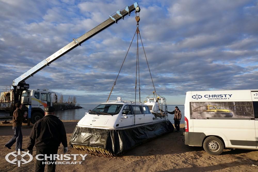 Суда на воздушной подушке CHRISTY используются по всему миру и зарекомендовали себя в качестве надежных многофункциональных судов, предназначенных для круглогодичной эксплуатации на воде и поверхности суши, а также на заснеженных и ледяных поверхностях | фото №10
