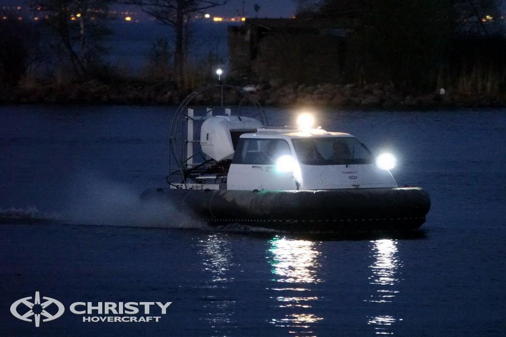 Катер-амфибия на воздушной подушке Christy 7186 - идеальное решение для рыбалки и отдыха