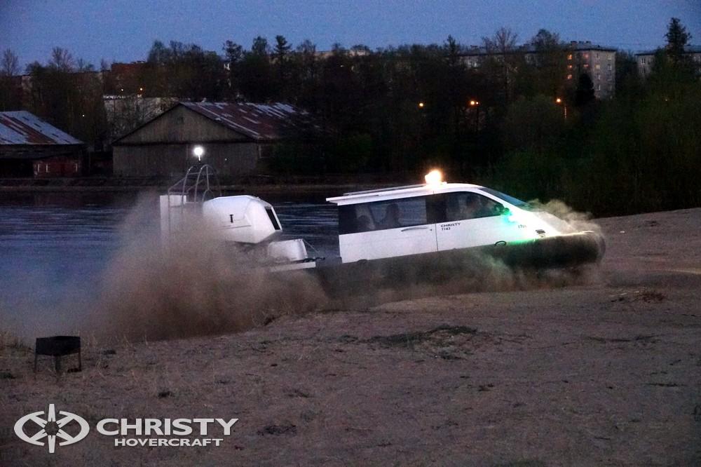 Катер на воздушной подушке Christy-7163 успешно применяются в сфере развлечений | фото №5