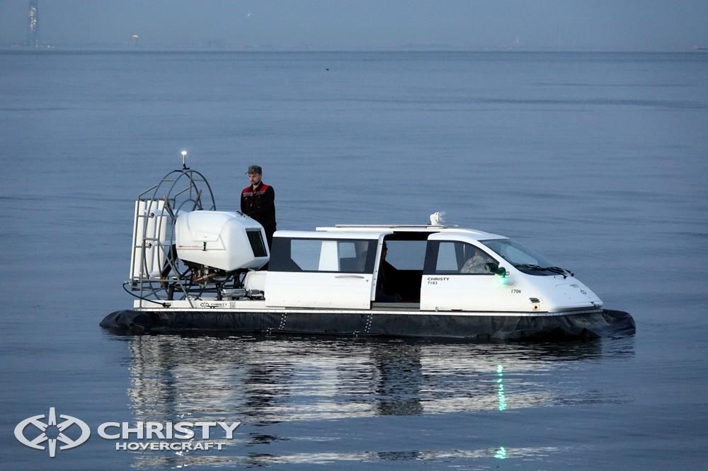 Катер на воздушной подушке Christy-7163 идеальное транспортное средство для рыбалки, водных видов спорта и просто отдыха на природе. | фото №9