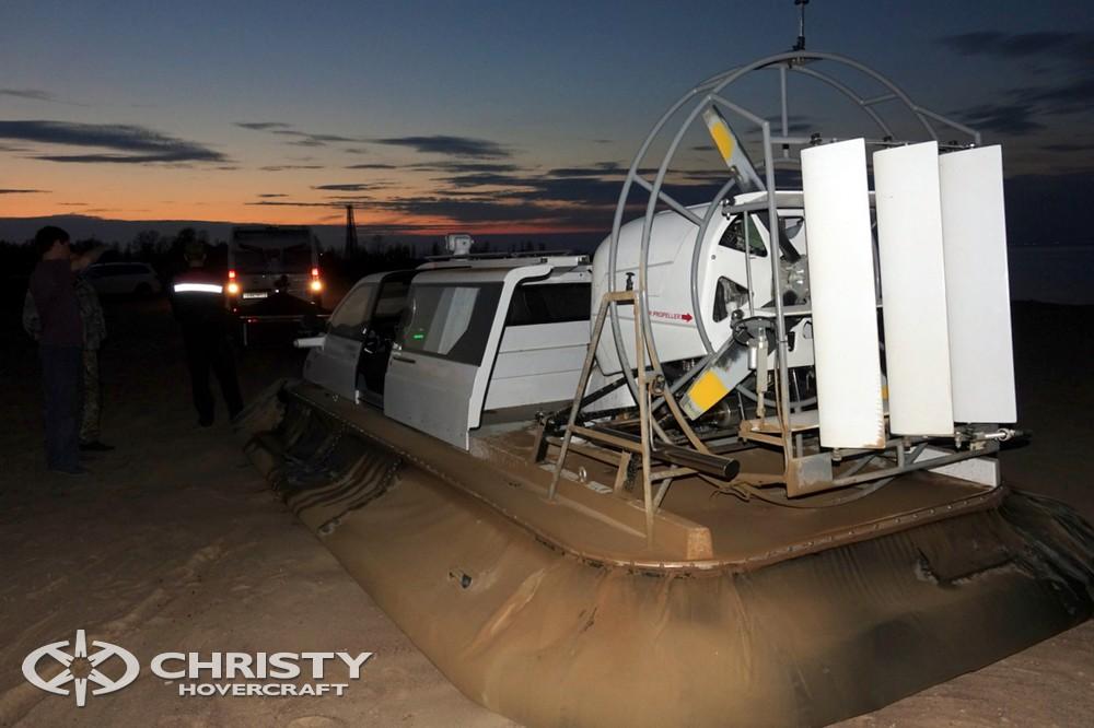 Катер на воздушной подушке Christy-7163 амфибийный катер беспрепятственно скользит по колотому льду, снегу, шульге, а также по другим поверхностям | фото №17