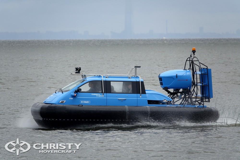Катер на воздушной подушке Christy-5148 оснащен более мощным инжекторным маршевым двигателем | фото №11