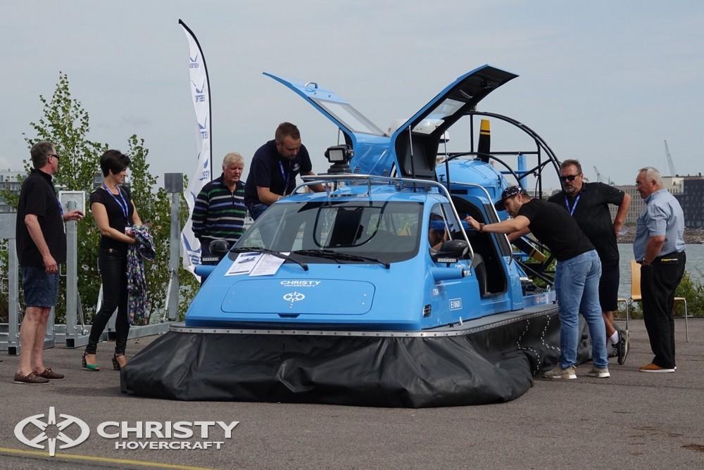 Судно на воздушной подушке Christy-5148 FC вызвало огромный интерес у посетителей выставки. | фото №1