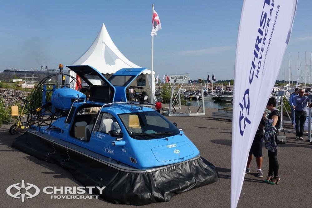 На стенде №125 команда Christy Hovercraft представила последнюю модель судна на воздушной подушке Christy 5148 FC | фото №19