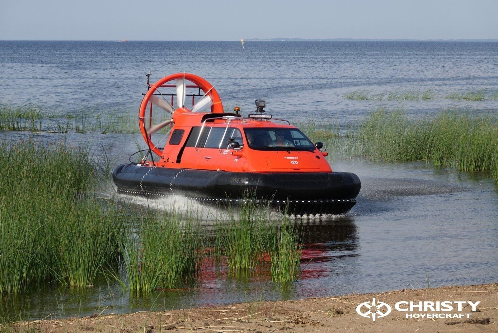 Тест-драйв катера-амфибии Christy 8186 FC Duct для правительства Канады   фото №1