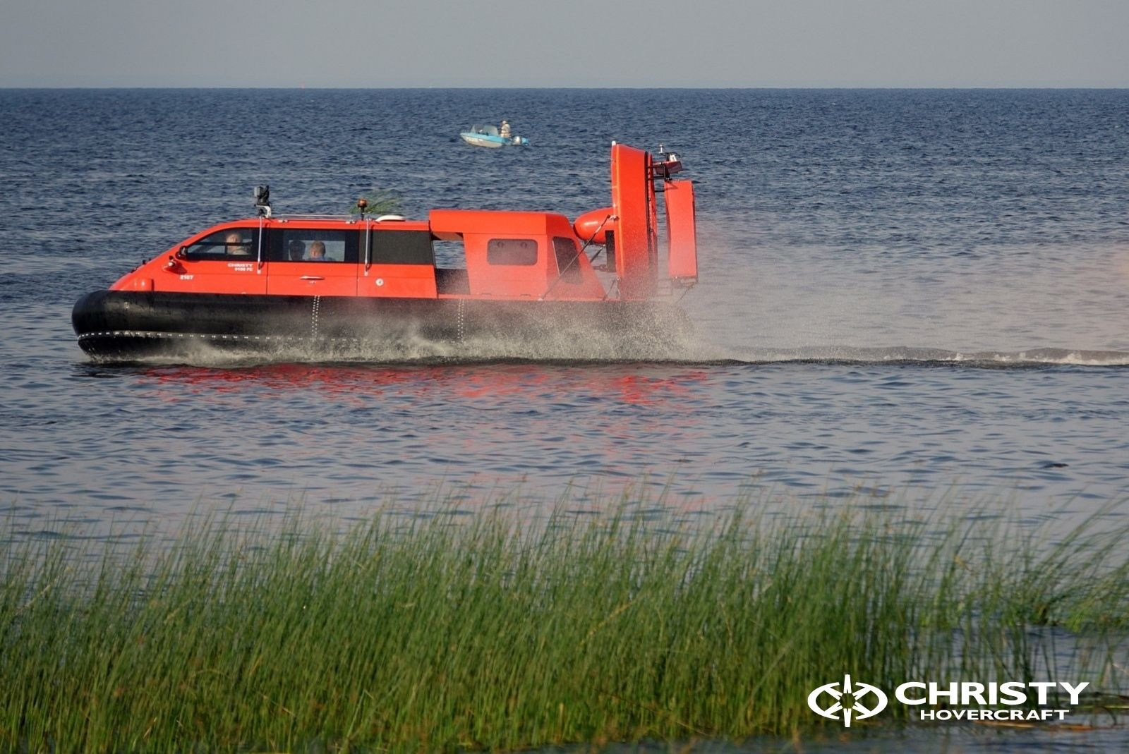Тест-драйв катера-амфибии Christy 8186 FC Duct для правительства Канады   фото №4