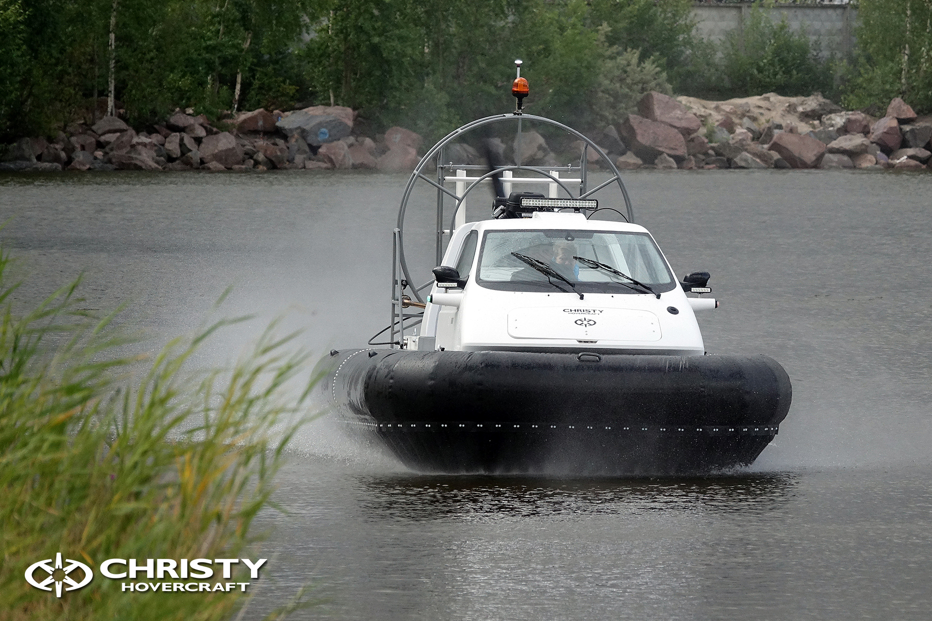 Hovercraft Christy 463 PC in Storm 290618 14.jpg | фото №12