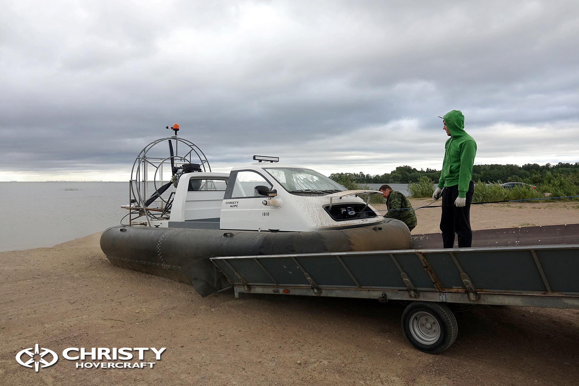 Hovercraft Christy 463 PC in Storm 290618 28.jpg | фото №26