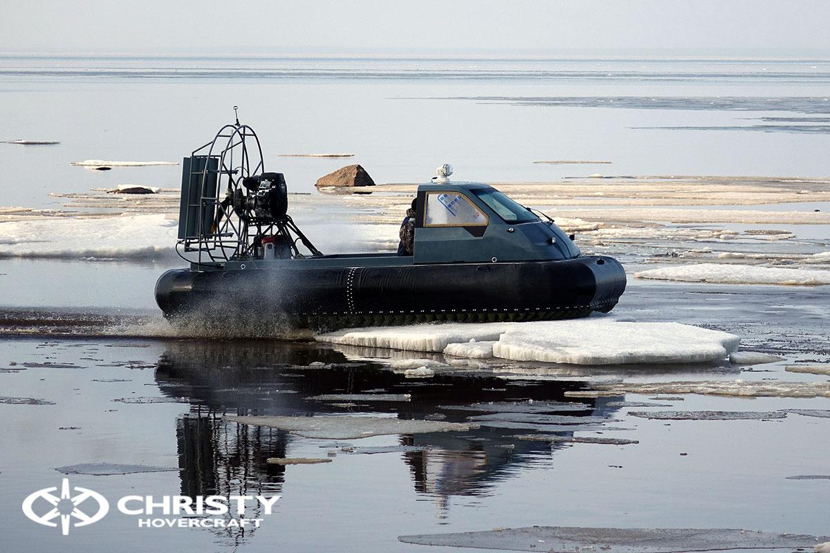 Текст-драйв на льду Christy 458 с полукабиной