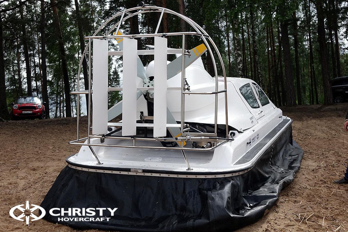 Тест-драйв судна-амфибии на воздушной подушке Christy 6199 | фото №19