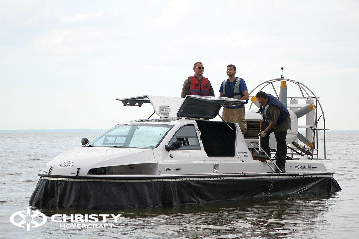 речное судно на воздушной подушке Christy 8199L. Испытания. Тест-драйв | фото №4