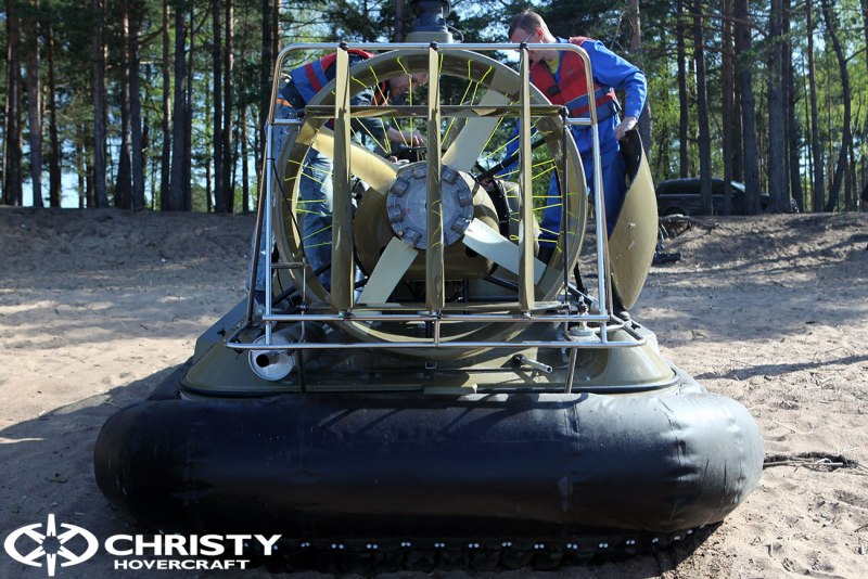 Катер на воздушной подушке Christy 6183 в различных вариантах цвета кузова | фото №4
