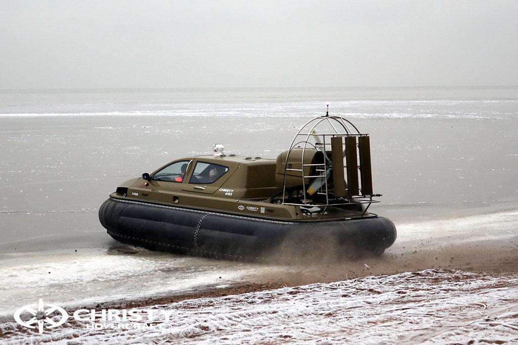 Обучение управлению судном Christy 6183 на льду | фото №3