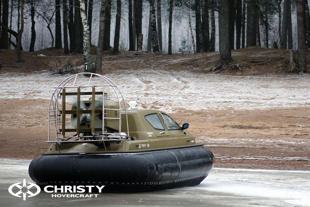 Обучение пилотов ChristyHovercraft вождению судна на воздушной подушке по тонкому льду
