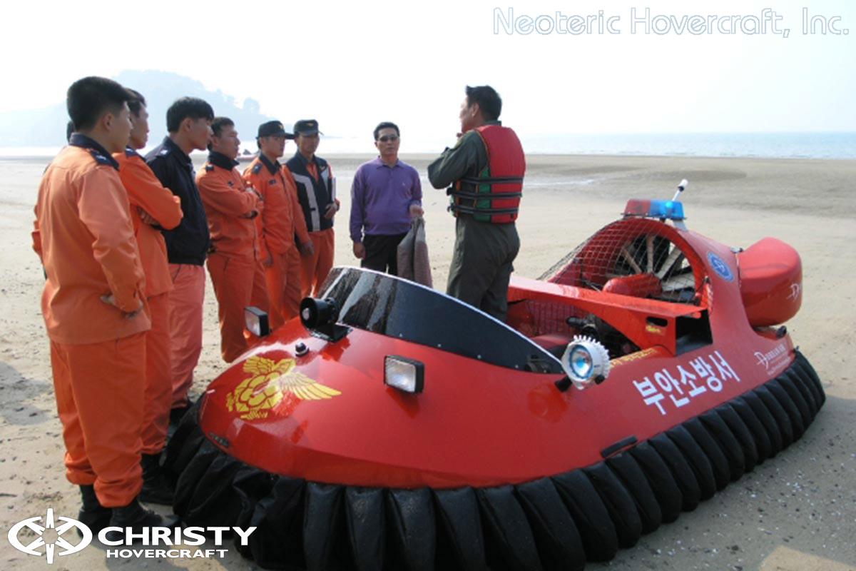 Спасательный катер на воздушной подушке Hovertrek 455 от Neoteric Hovercraft Inc | фото №30