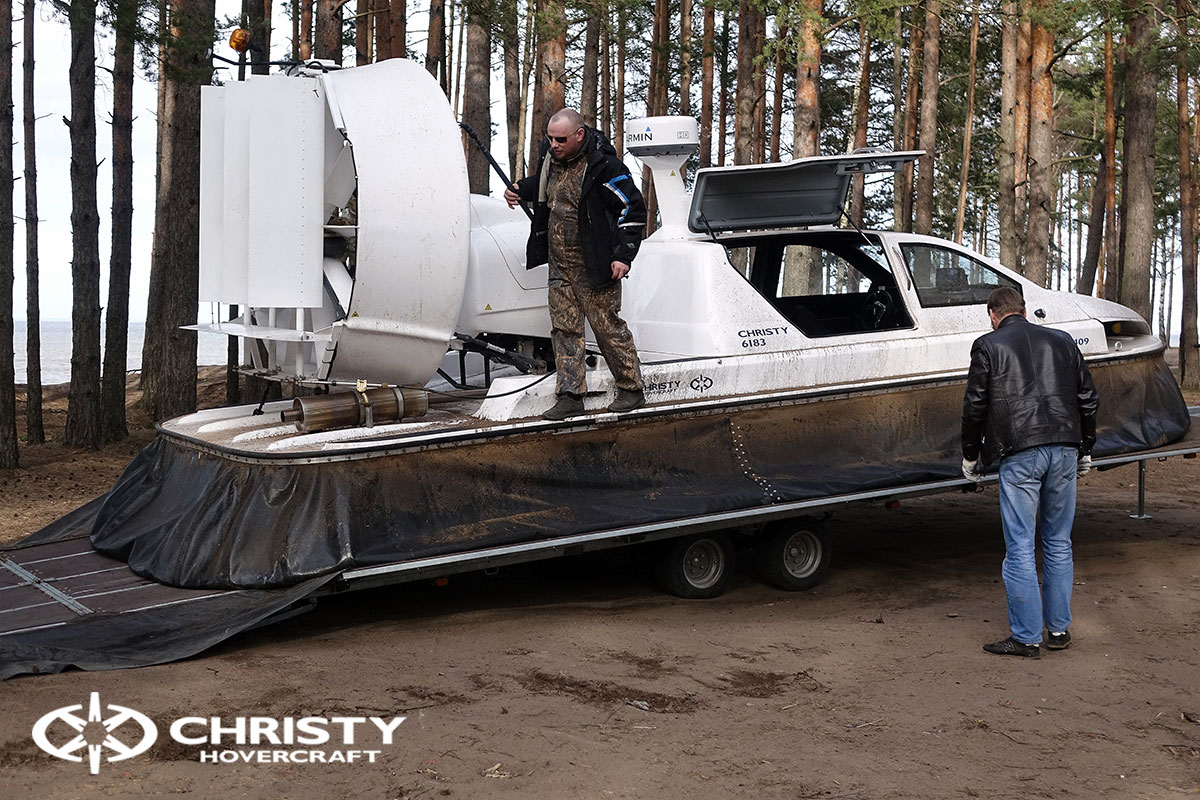 Катер на воздушной подушке Christy 6183 XXL