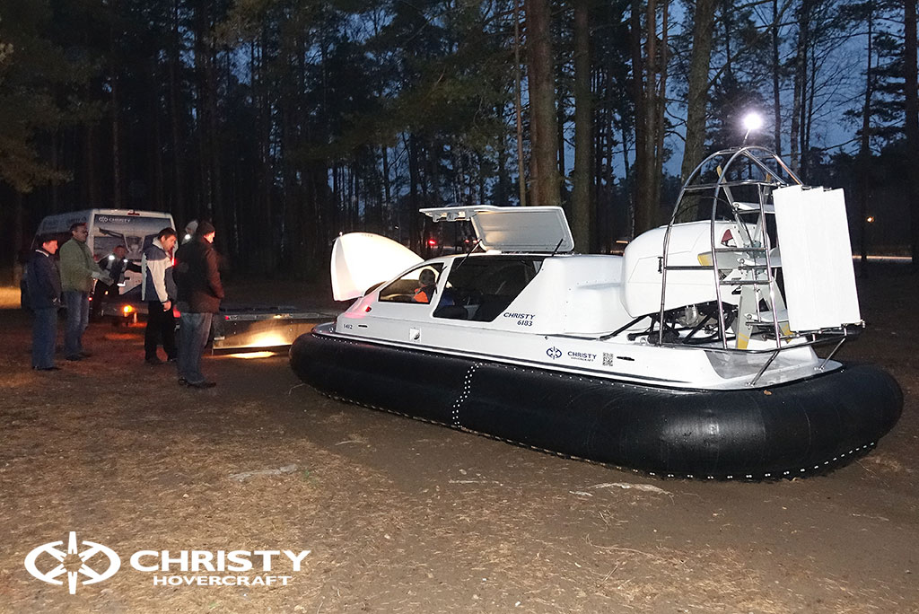 Tест-драйв катера на воздушной подушке для заядлого рыбака