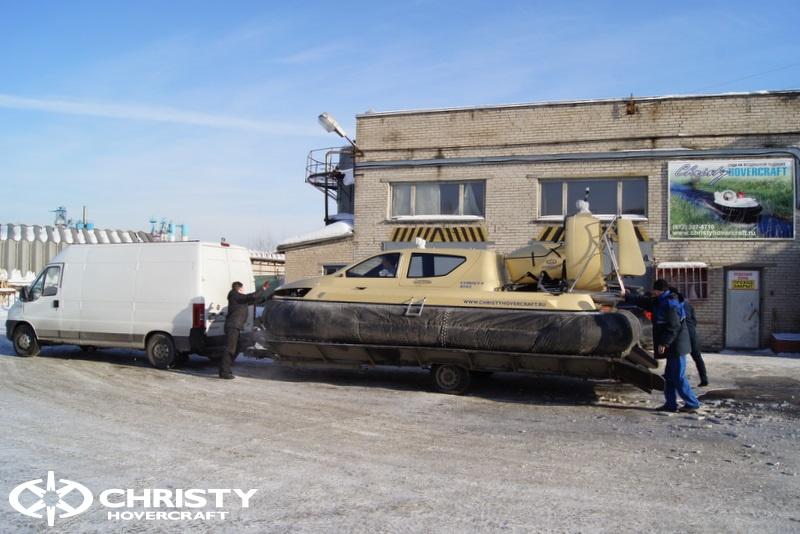 Погрузка и разгрузка судна на воздушной подушке | фото №3