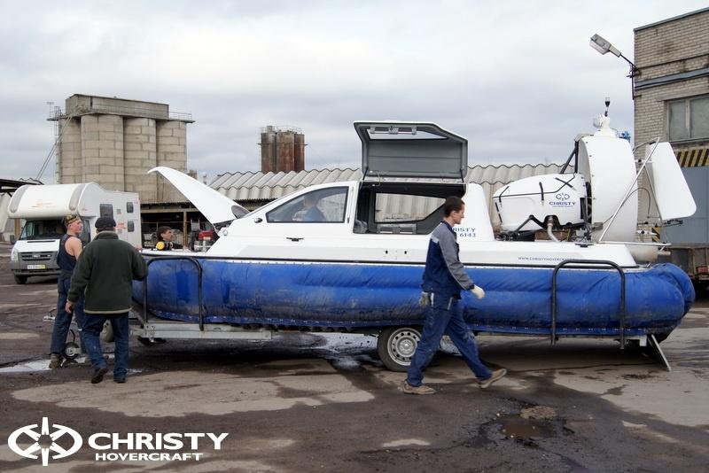 Погрузка и разгрузка судна на воздушной подушке | фото №5