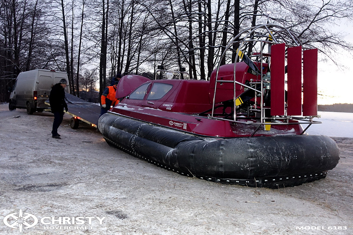 Погрузка и разгрузка судна на воздушной подушке | фото №11