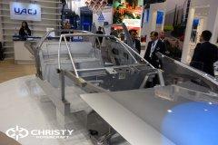 Корпус автомобиля выполнен из сваренных листов алюминия | фото №6
