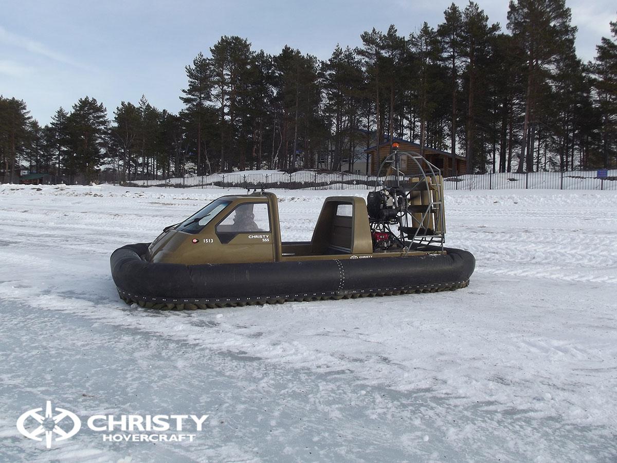 Christy 555 с легкостью пролетала через торосы высота которых достигала 60 см. | фото №2